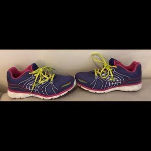 Women's Athletech  sneakers sz 8
